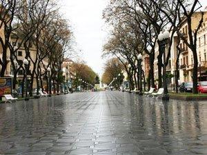 Знаменитая улица Rambla Vella