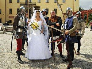 Свадьба в замке с рыцарями