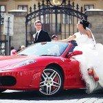 Фото свадебной прогулки на авто по Праге
