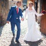 Прогулка после свадебной церемонии