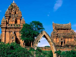Достопримечательности Нячанга: Чамские башни По Нагар