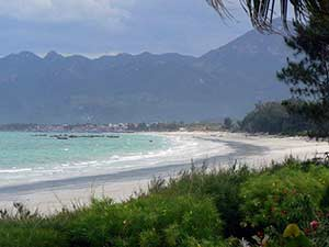 Пляж на побережье Ванпхонга