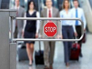 Кому закрыта дорога за рубеж и, как узнать, есть ли запрет на выезд за границу?